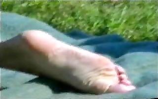 cica hot foot girlfriend