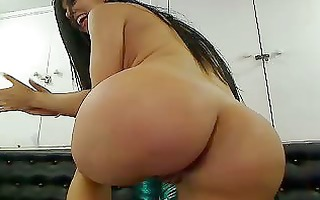 beauty latin chick on cam