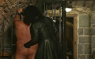 a domme trains her slaves