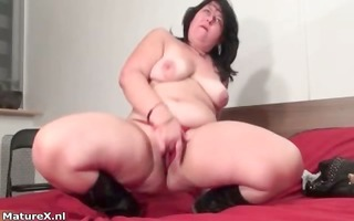 fat brunette hair experienced woman fingering