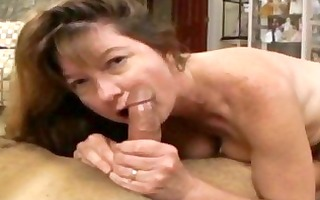 brunette mother i with massive muffins and